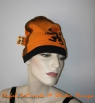 Upcycled-oranje-orange-voetbal-shirt-hat.JPG
